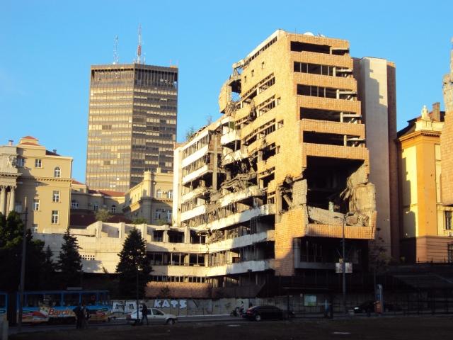 Uno de los edificios bombardeados (foto propia)