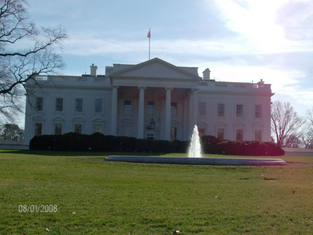 La Casa Blanca, metiendo la cámara por la reja