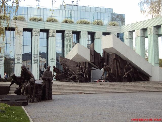Monumento al Levantamiento de Varsovia contra los nazis