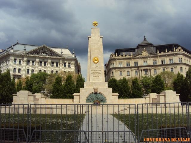El único monumento de la época soviética que queda en la ciudad