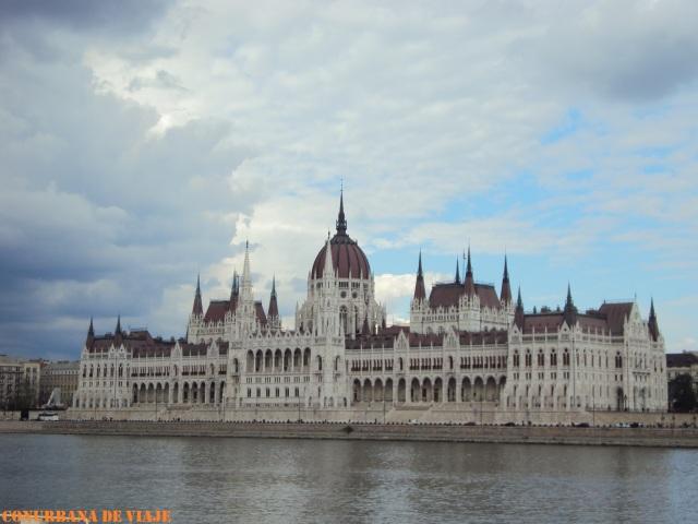 El Parlamento Húngaro a orillas del Danubio