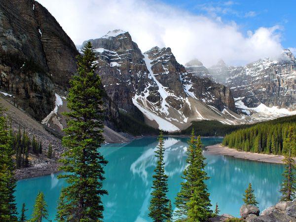 Lago Morraine en el Parque Nacional Banff (Alberta), el lugar que mas quiero conocer en Canadá (foto: National Geographic Travel)