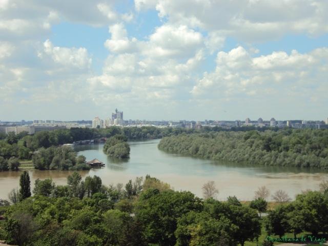 Confluencia de los ríos Sava y Danubio vista desde el Fuerte de Kalemegdan