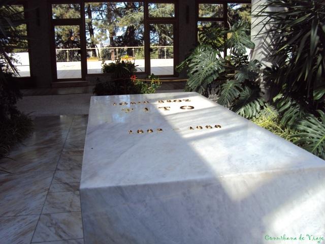 Casa de las Flores - Mausoleo de Tito